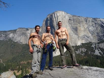 Trio Calavera con El Capitan de fondo